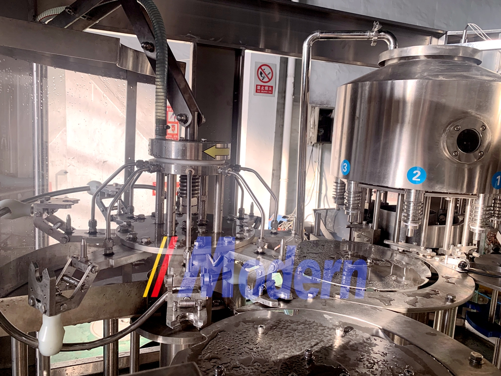 2500BPH XGF883 Water Filling Machine